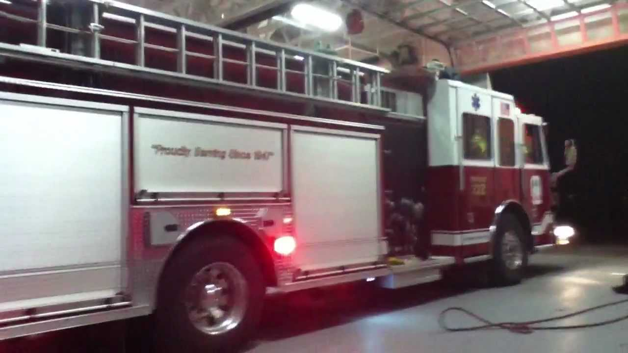 Liberty Township Engine 322 responding to a fire - YouTube