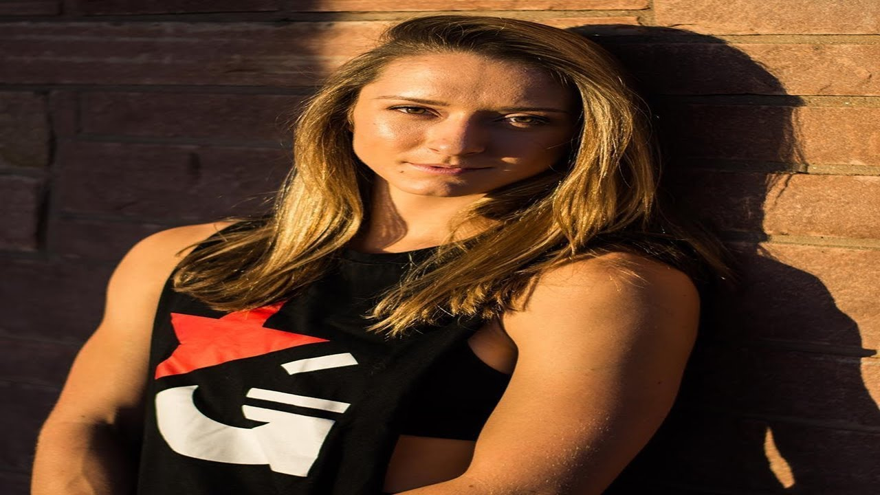 Strongest Female Of Parkour And Freerunning