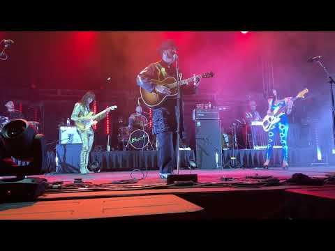 Khruangbin Texas Sun Feat Leon Bridges 2019 11 02 – Houston Tx
