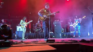 Gambar cover Khruangbin - Texas Sun (feat. Leon Bridges) (2019-11-02 – Houston, TX)
