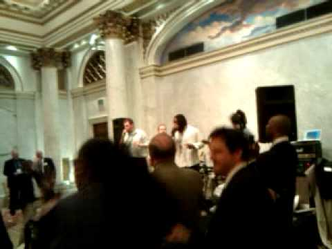 Cedric Benson sings