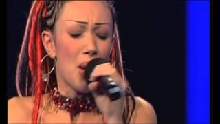 Incredible Dewi singing