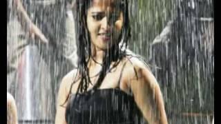 Hot n' wet Anushka Shetty!
