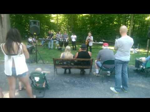 acoustic set w Michael Bruce