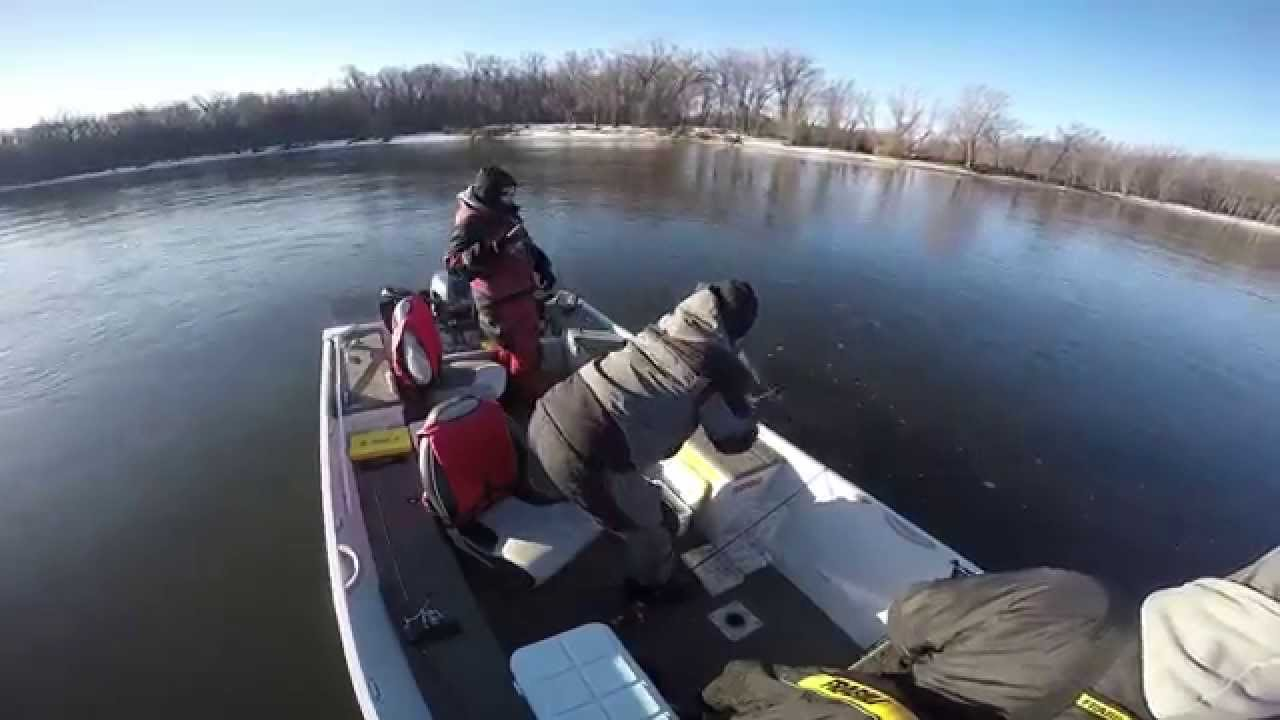 Mississippi pool 4 red wing mn youtube for Red wing fishing report