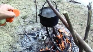 Уха на костре,видео rybachil.ru
