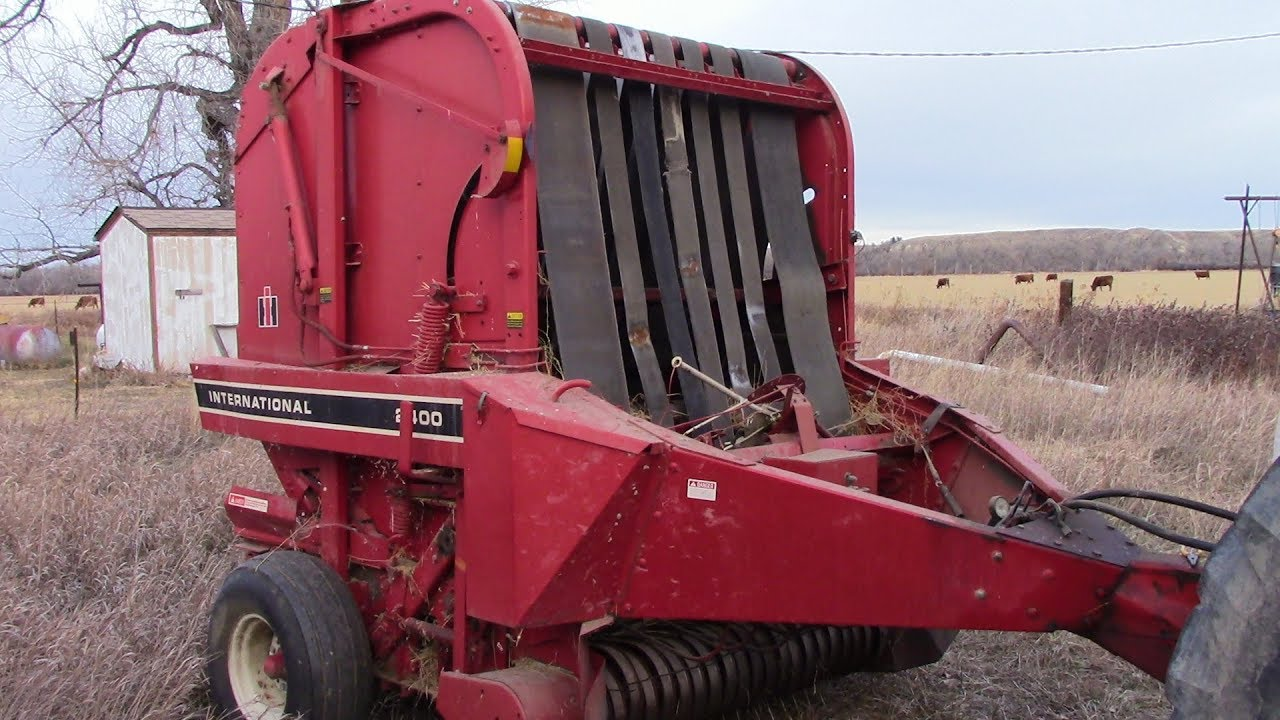 Internation 2400 Round Baler Walk Around