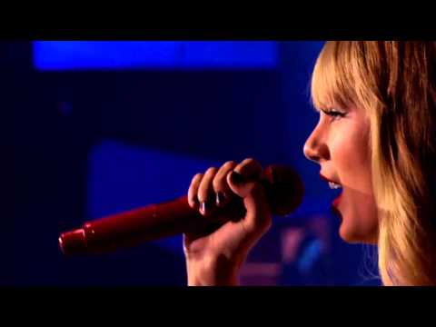 Taylor Swift - Sparks Fly (Live in Rio, Brazil)