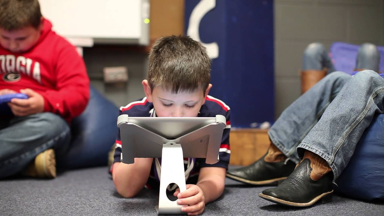 iPads in the Classroom - YouTube Ipads In The Classroom