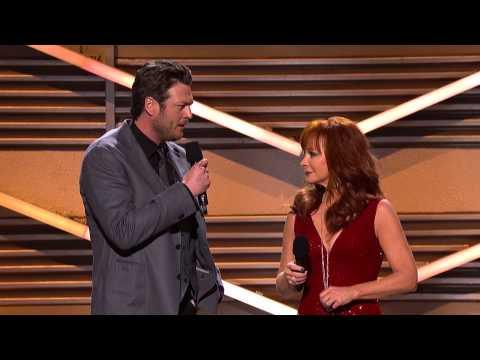 Blake Shelton & Reba Host the 2012 ACM Awards