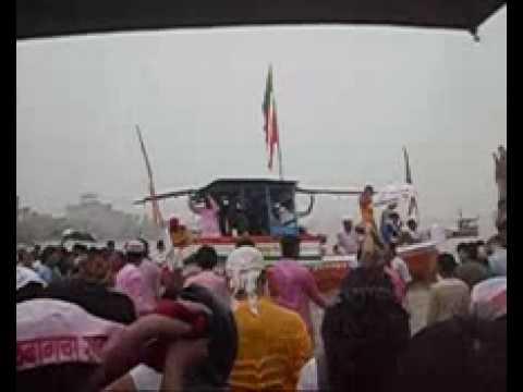 Visarjan of Lalbaugcha Raja 2009 on Girgaon Choupati.flv
