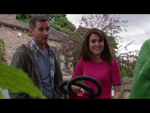 Kerry Asks Pete And Emma If Ross Is About - Emmerdale
