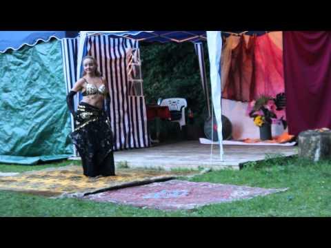 Acrobatic & Fusion Of Bellydance, Tutting, Duo Léonilde & Margaret Torrini 2013