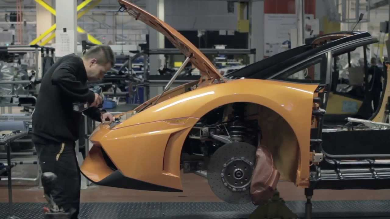 Lamborghini power: the secret revealed. Lamborghini and CastrolEDGE