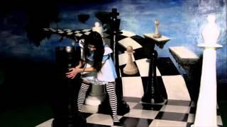 видео «Алиса в стране чудес»: самый сказочный квест города