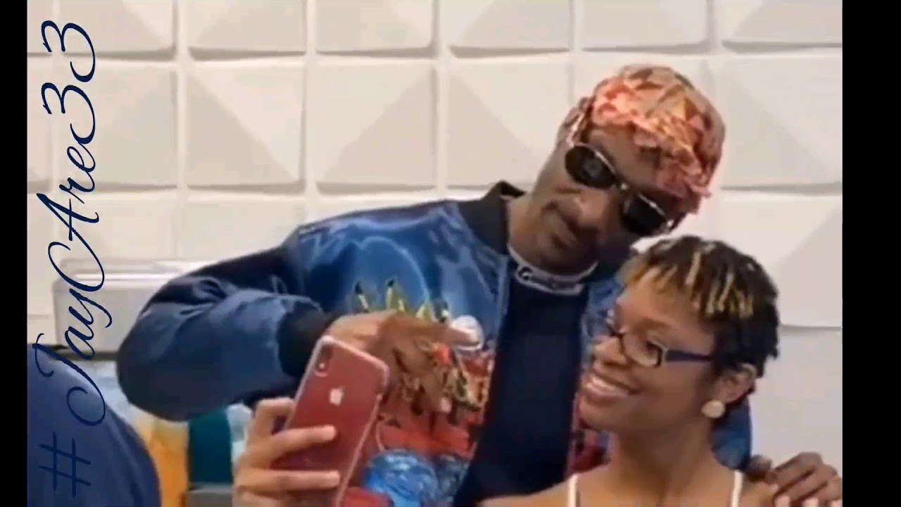 SNOOP DOGG PULLS UP TO TRICK DADDY'S RESTAURANT SUNDAY'S EATERY IN MIAMI!January 22, 2020