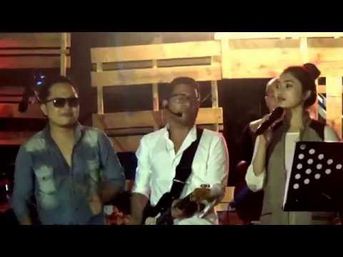 Isyana Sarasvati duet Sandhy Sandoro, 'Prahara cinta', Palembang 22 Oktober 2016