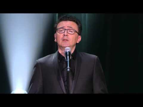 INEDIT - Gérald Dahan imite François Hollande - Olympia 2015