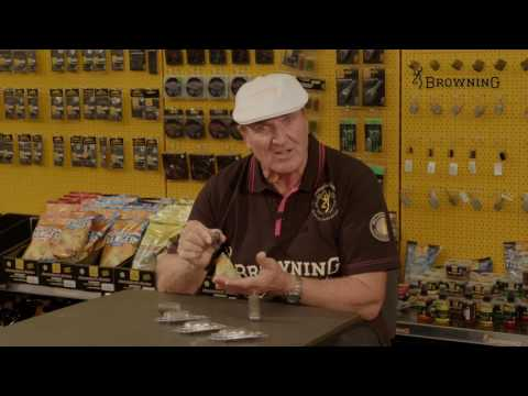 Browning Window Feeder: Bob Nudd shows us the revolutionary Browning Feeders.