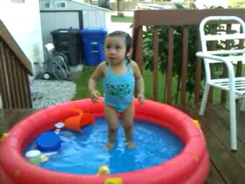 Sophia Bui first swimming