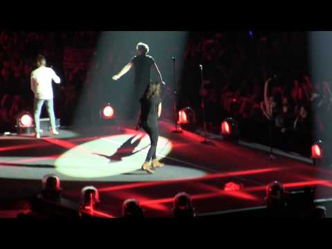 Drag Me Down (LIVE) Indianapolis