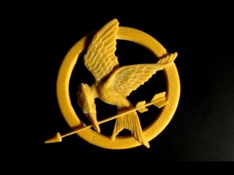Tutorial: Mockingjay Pin made with polymer clay (from