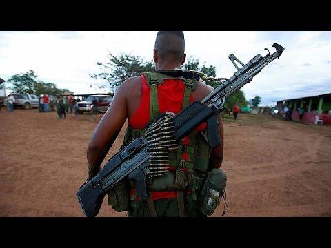"""Colômbia: Governo e FARC """"disparam"""" última bala de 50 anos de conflito"""