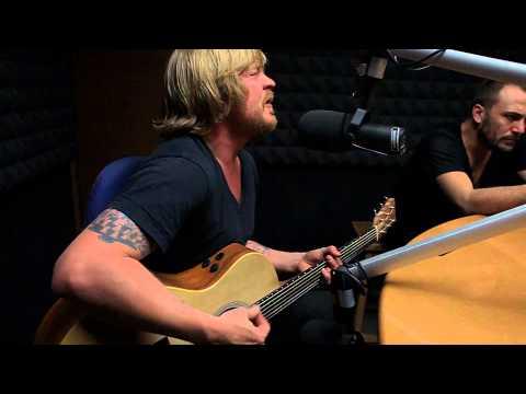 Van Coke Kartel - klein wereld (live in studio)