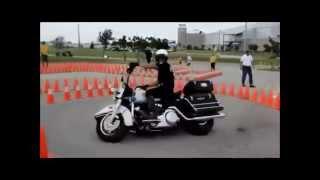 アメリカ米国 バイク スーパーテクニック 白バイ