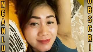 Download Video Tante Pamer Bulu Ketiak Bikin Sange & Horny & Wanita Pamer Bulu Ketiak Bikin Sange & Horny MP3 3GP MP4