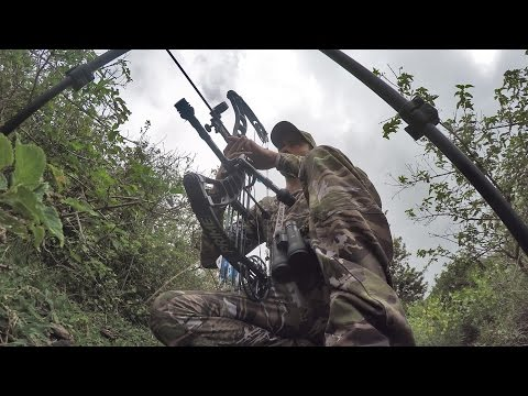 S:7 E:2 Bow Hunting Axis Deer in Hawaii with Remi Warren of SOLO HNTR