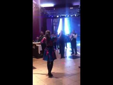 Русская девчонка жгет на армянской свадьбе 1