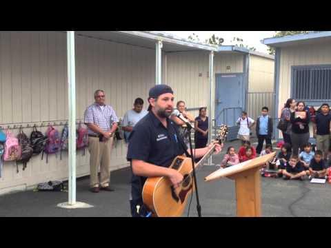 "Justin Grennan @ La Primaria elementary school ""national anthem"""