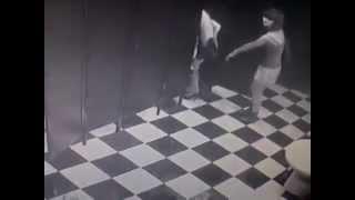 пьяные бабы в туалете ночного клуба москвы-ржака