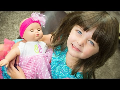 Madame Alexander Babblebaby Surprise Present Unboxing Babydoll Toy Kinder Playtime