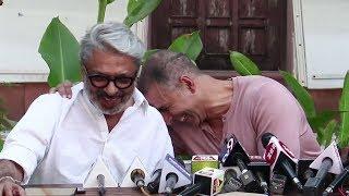 Akshay Kumar FUNNY Moments With Sanjay Leela Bhansali & Reporters