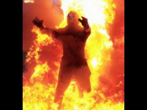 """Crash Moreau """"Fire walk"""" TOUR OF DESTRUCTION"""