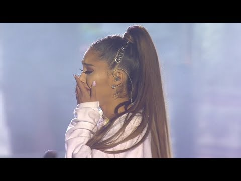 Ariana Grande - Somewhere Over the Rainbow (Live at One Love Manchester)