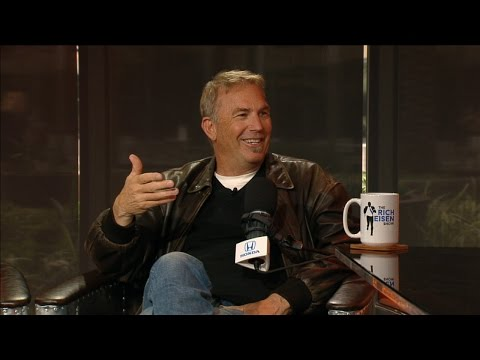 "Academy Award-Winning Actor Kevin Costner Talks New Film ""Hidden Figures"" & More - 1/5/17"