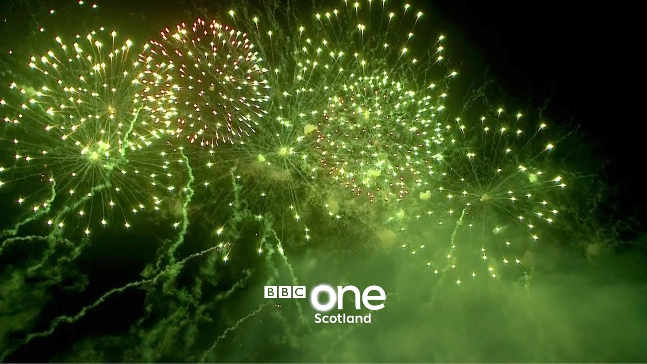 Edinburgh\'s Fireworks 2018 - Hogmanay Live: New Year\'s Eve 2017 ...