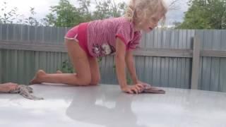 Лучшие приколы с детьми,смешное видео,как правильно мыть авто,отдых на даче,(Лучшие приколы,как правильно мыть авто с детьми., 2016-08-29T06:49:08.000Z)