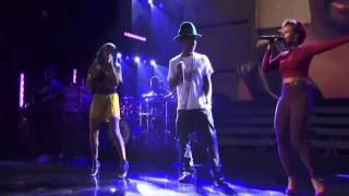"Pharrell Williams Performs ""Know who you are"""