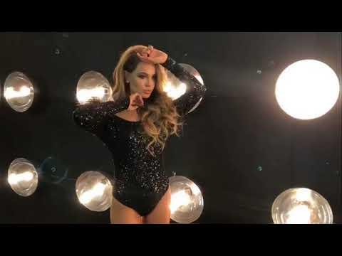 Анна Калашникова горячее видео с фотосессии