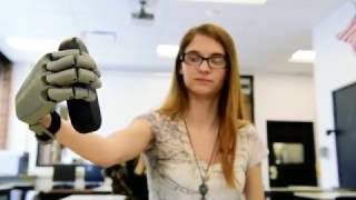 High School tech teacher prints out prosthetic hand for student