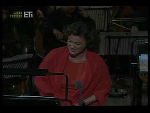Vesselina Kasarova singing O ma lyre immortelle