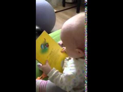 9 месячный ребенок читает
