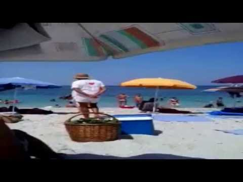 Прикол над девушкой на пляже смотреть онлайн видео от