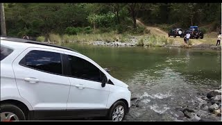 Ford Ecosport crossing the river
