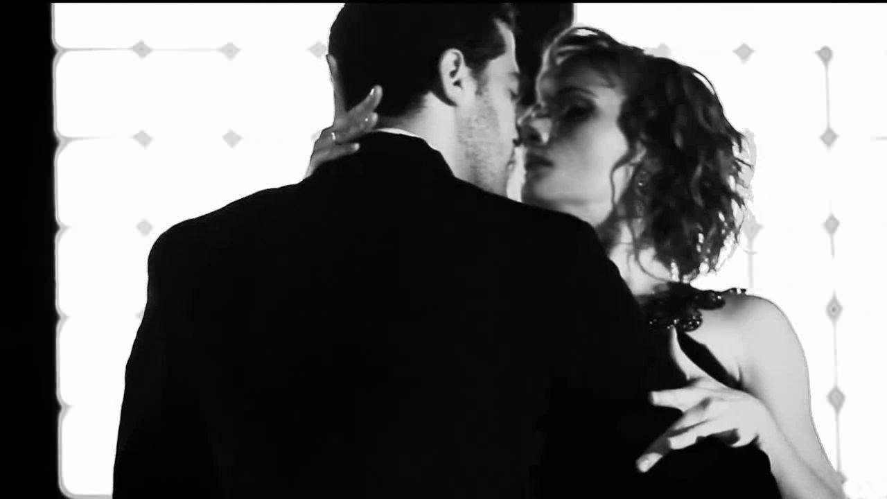 kiss moreno
