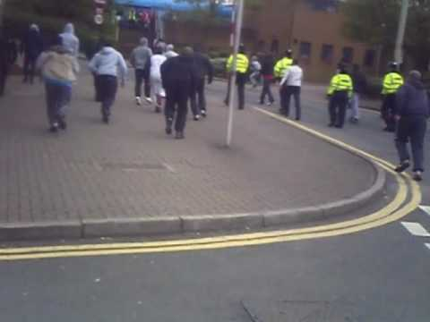 EDL VS MUSLIMS IN DUDLEY